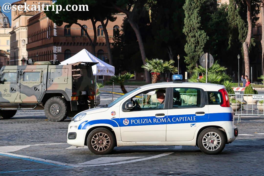 ローマの警察車両