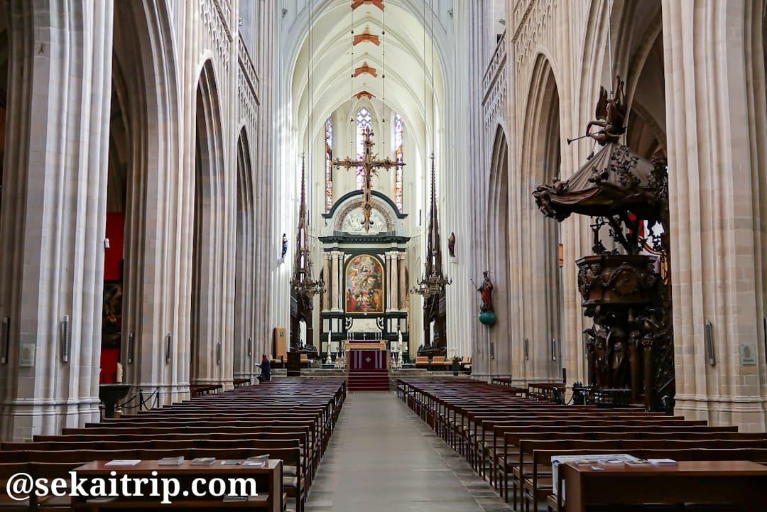 アントワープ聖母大聖堂の内部