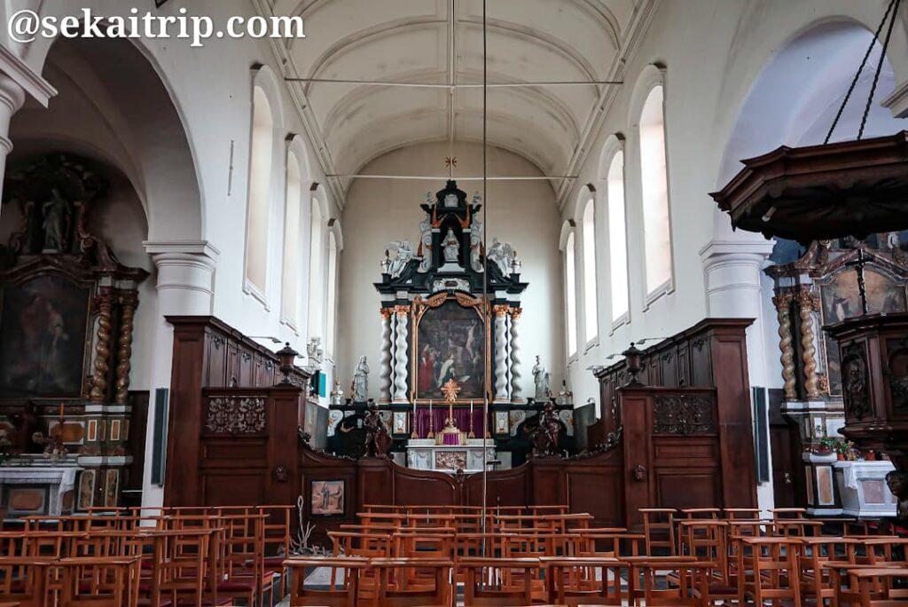 ベギン会修道院の礼拝堂内部