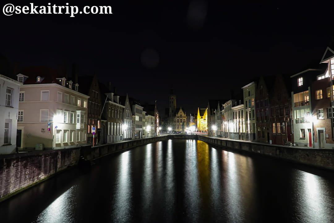 ヤン・ファン・エイク広場(Jan van Eyckplein)周辺の夜景