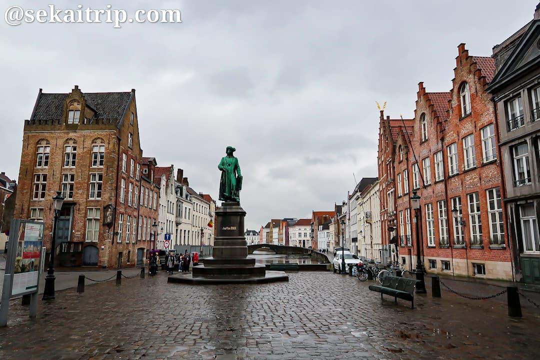 ヤン・ファン・エイク広場(Jan van Eyckplein)