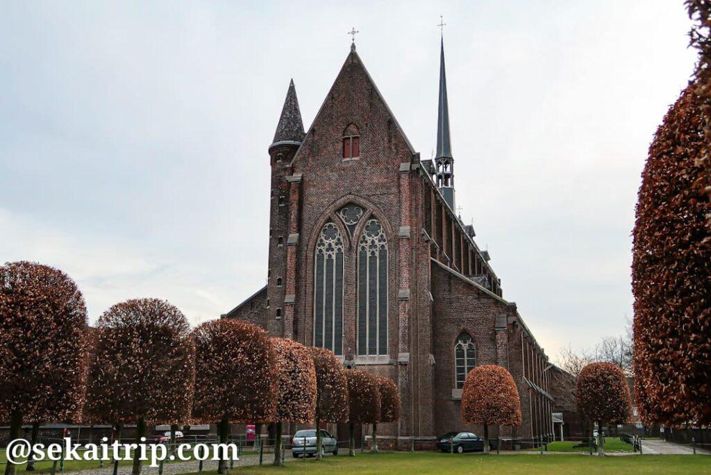シント=アマンズベルフ・ベギン会修道院(Groot Begijnhof Sint-Amandsberg)にある教会