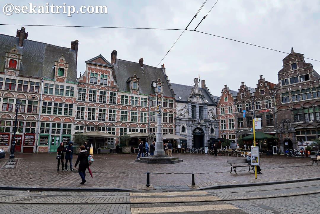 シント=フェールレ広場(Sint-Veerleplein)