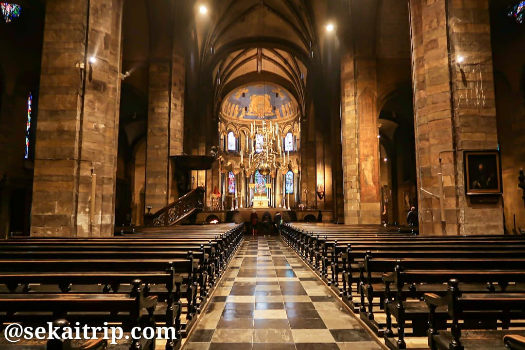 聖母教会(Basiliek van Onze Lieve Vrouwe)の内部