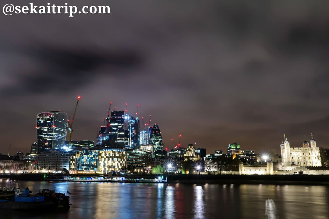 ポッターズ・フィールズ・パークから見たロンドンの夜景