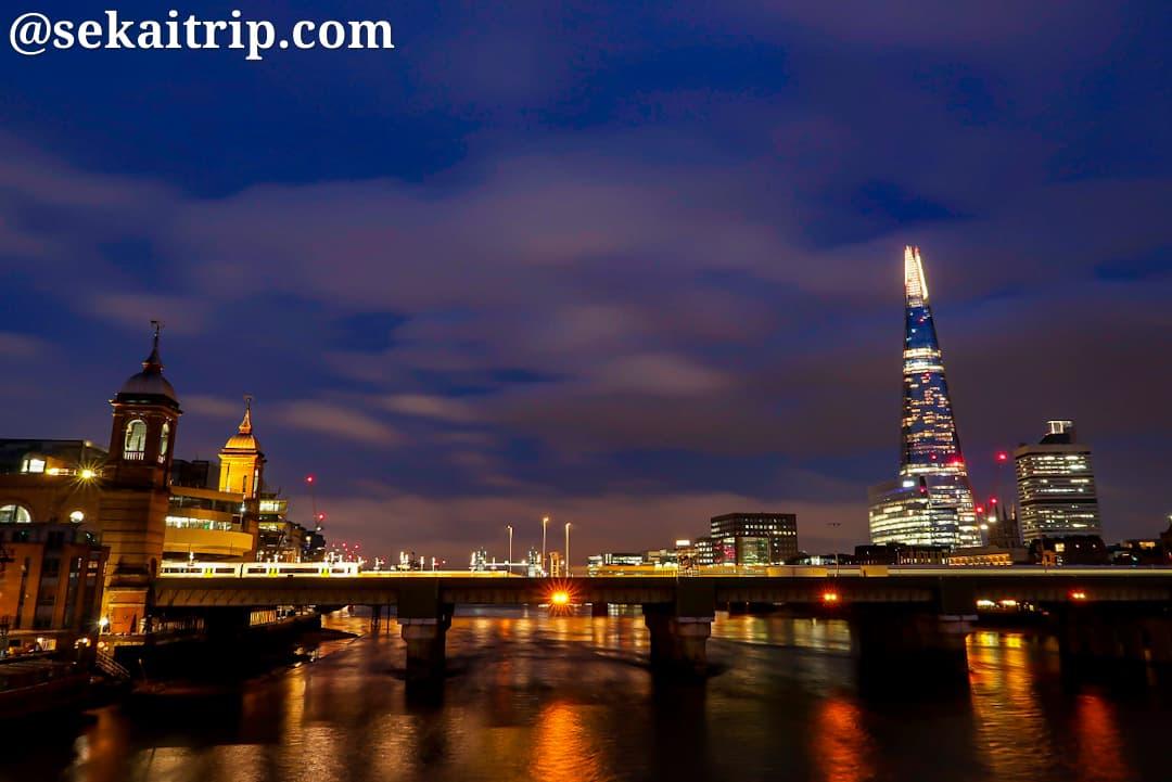 サザーク橋(Southwark Bridge)から撮影した夜景