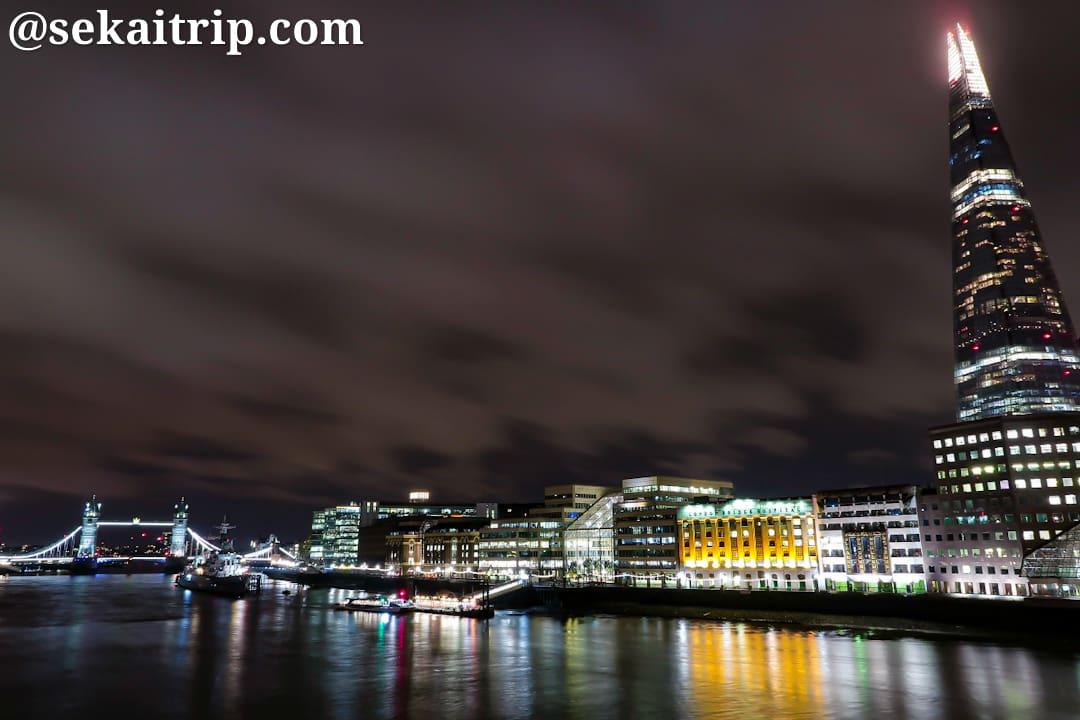ロンドン橋(London Bridge)から撮影した夜景