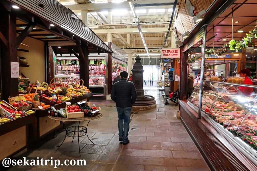 ボーヴォー市場(Marché Beauvau)の内部