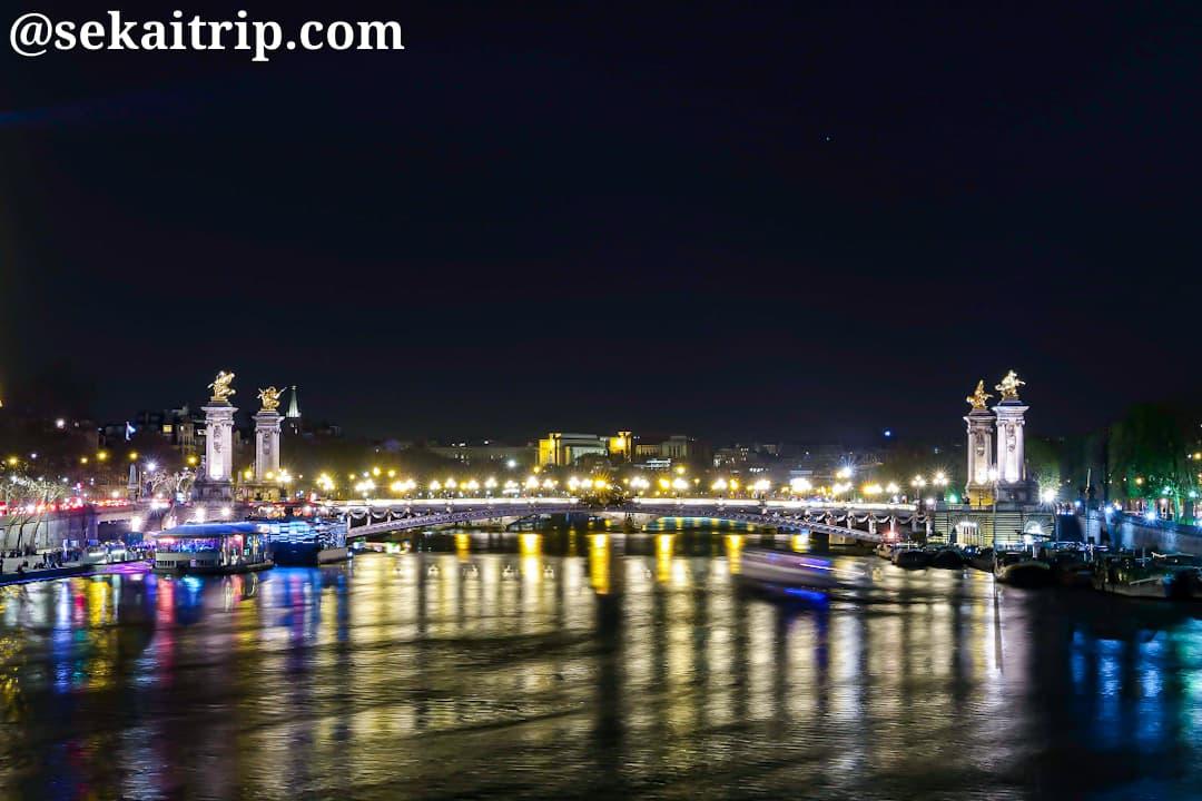アレクサンドル3世橋(Pont Alexandre III)の夜景
