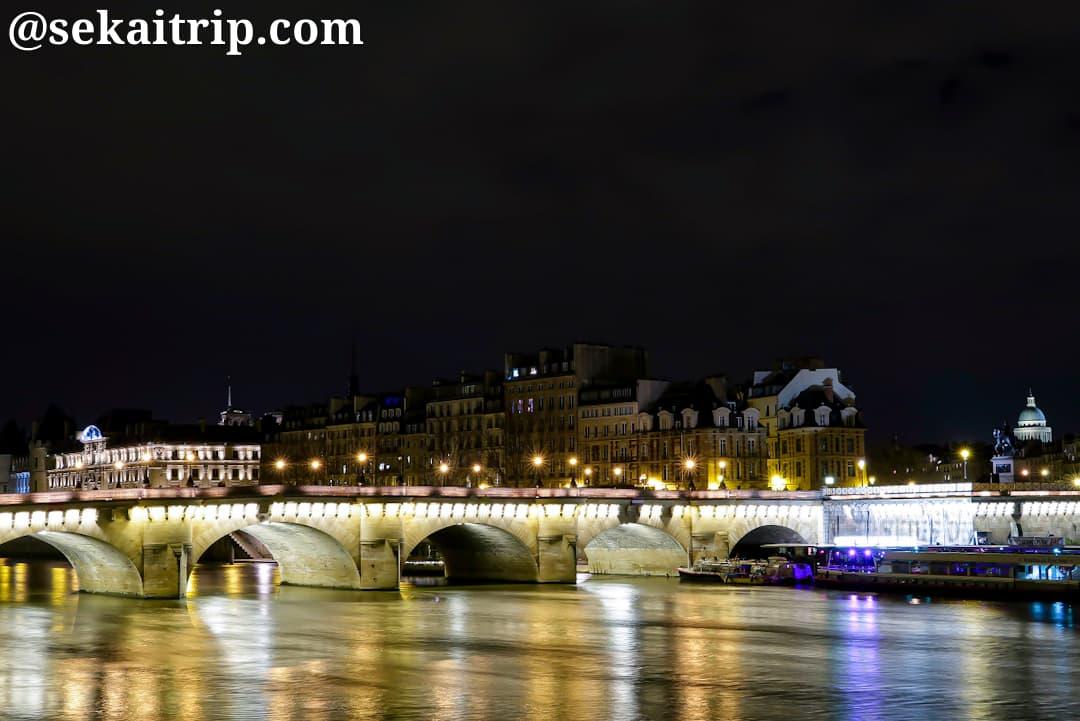 ポンヌフ(Pont Neuf)の夜景