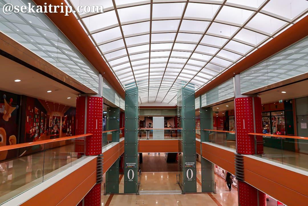 レ・タヌール・ショッピングセンター(Centre commercial Les Tanneurs)の内部