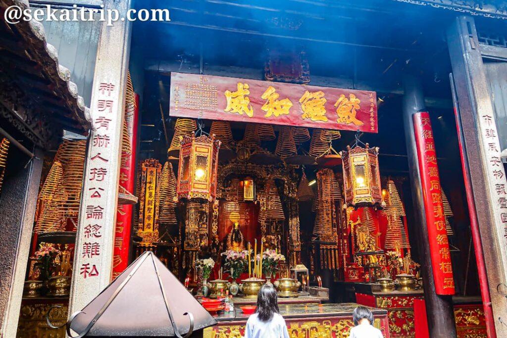 三街會館(Pagode Sam Cai Vu Cun)の内部