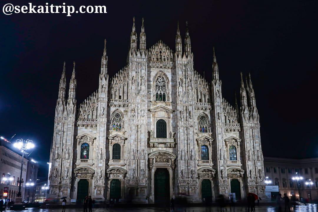 夜に撮影したミラノのドゥオーモ(Duomo di Milano)