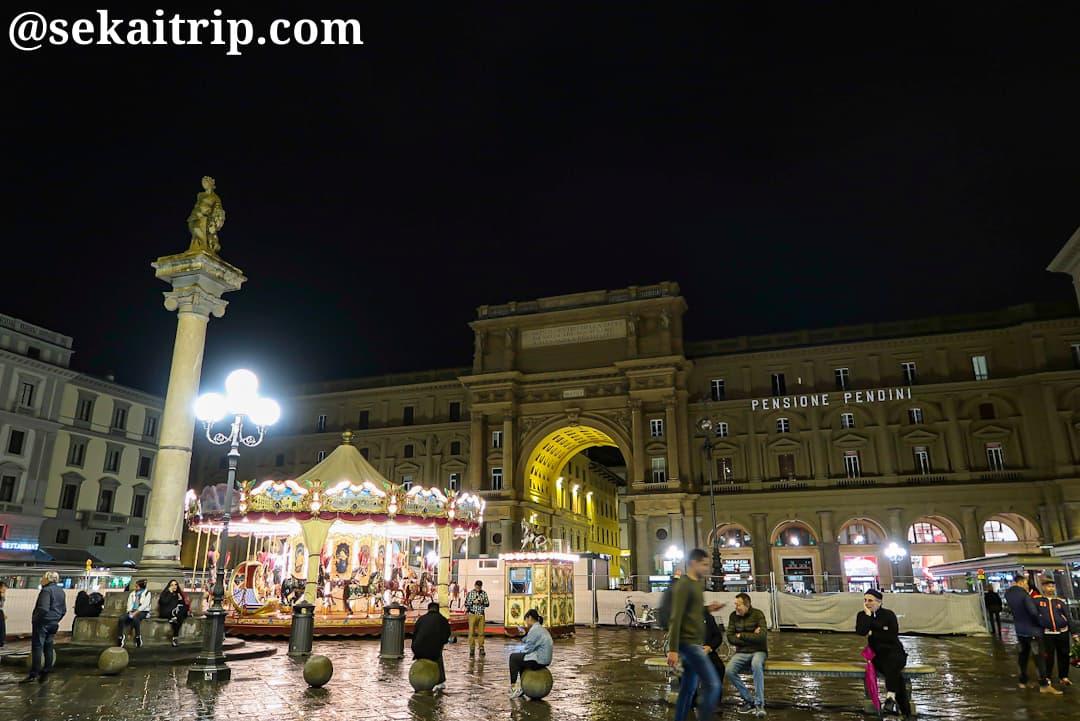 夜のレプッブリカ広場(Piazza della Repubblica)
