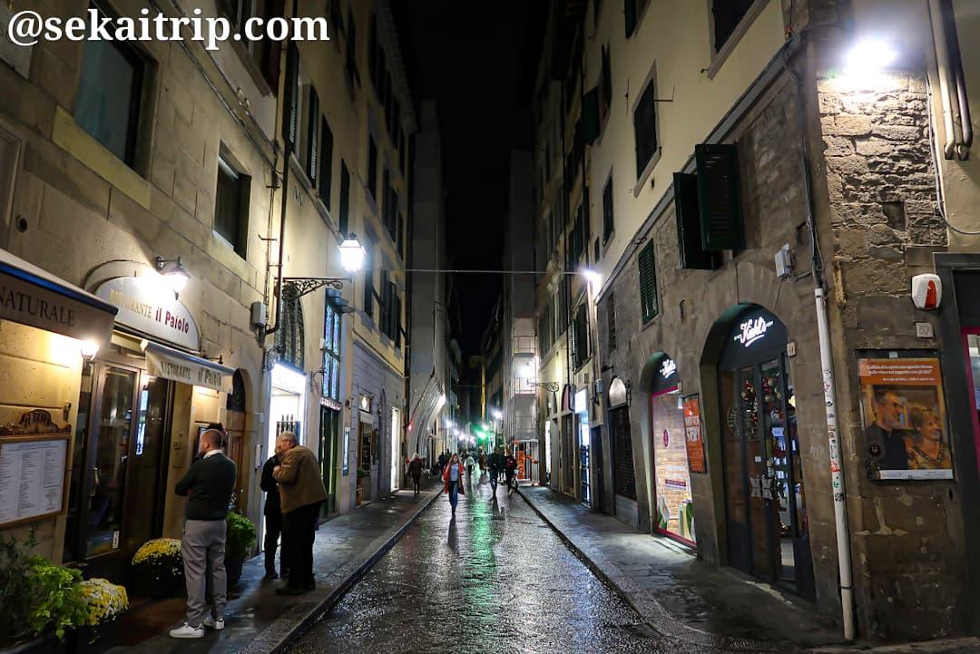 夜のコルソ通り(Via del Corso)