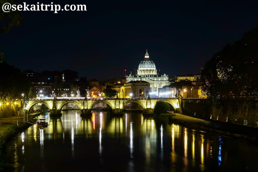 ウンベルト1世橋から見たサン・ピエトロ大聖堂