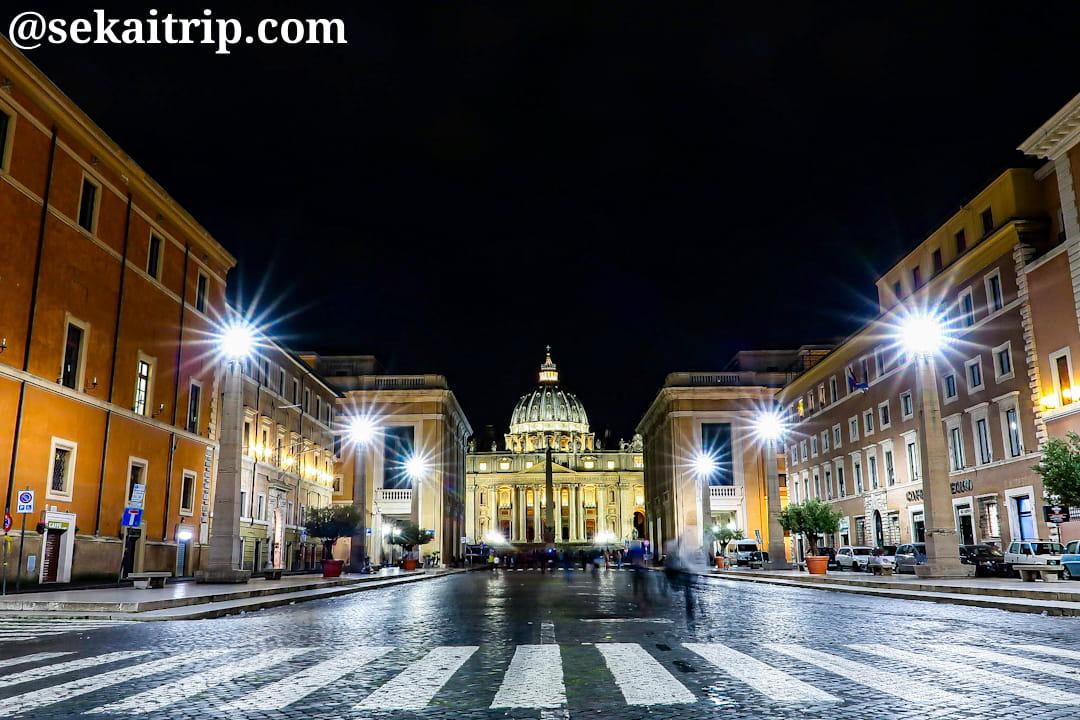 コンチリアツィオーネ通りから撮影したサン・ピエトロ大聖堂(Basilica di San Pietro)