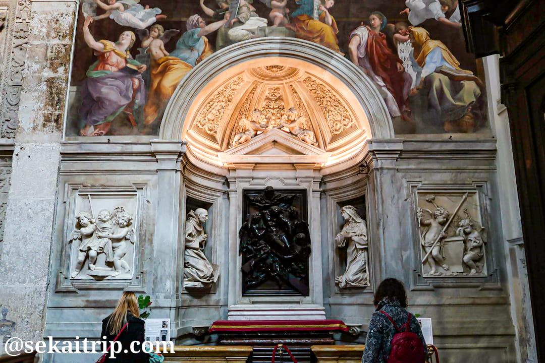サンタ・マリア・デッラ・パーチェ教会にあるラファエロ作「巫女」