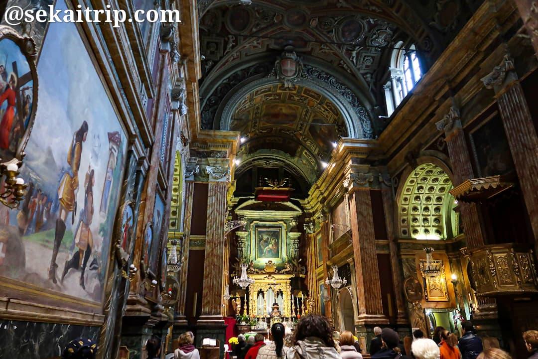サンタ・クリスティーナ教会の内部