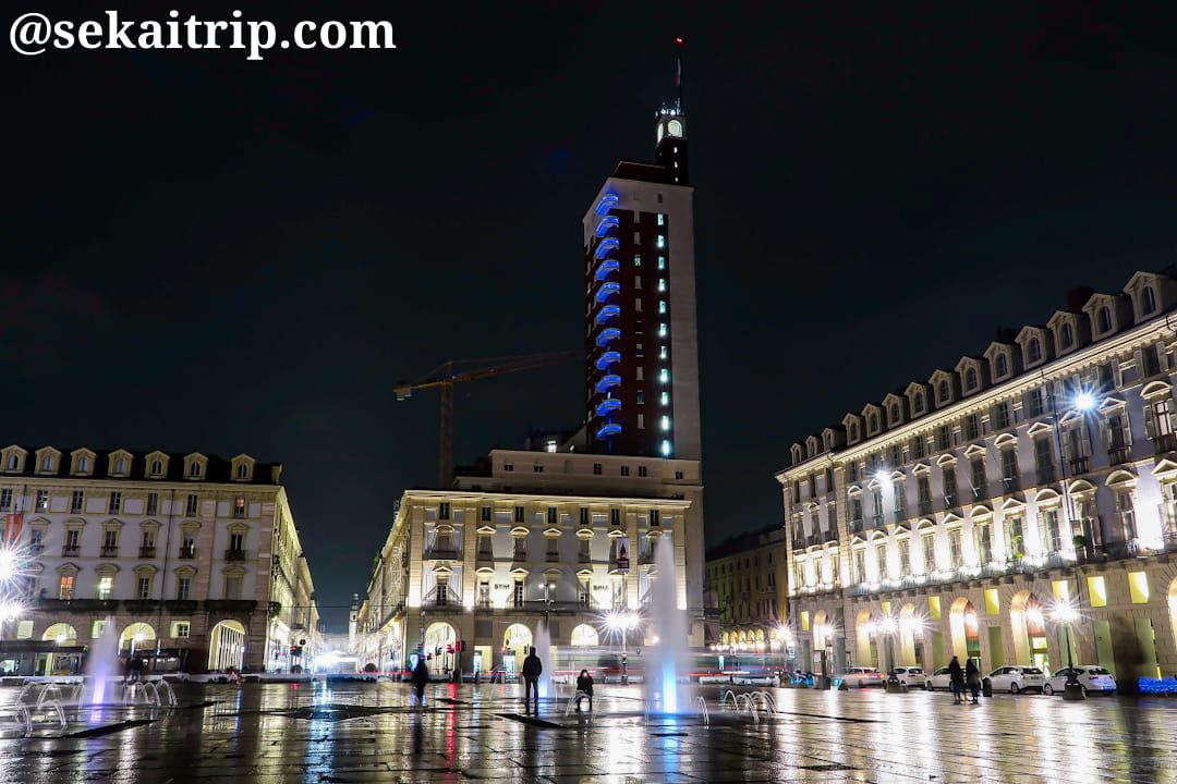 カステッロ広場(Piazza Castello)の夜景