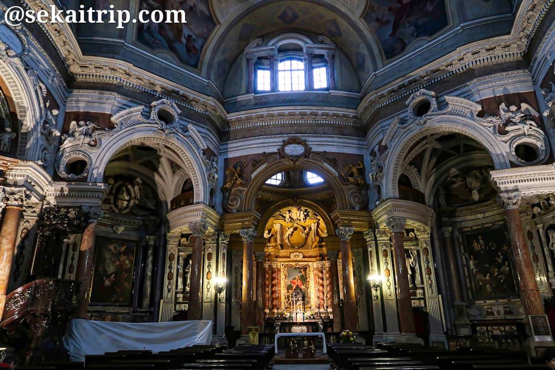 サン・ロレンツォ教会(トリノ)の内部