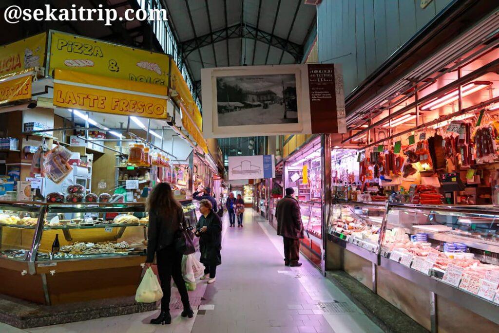 ポルタ・パラッツォ市場(Mercato di Porta Palazzo)内部