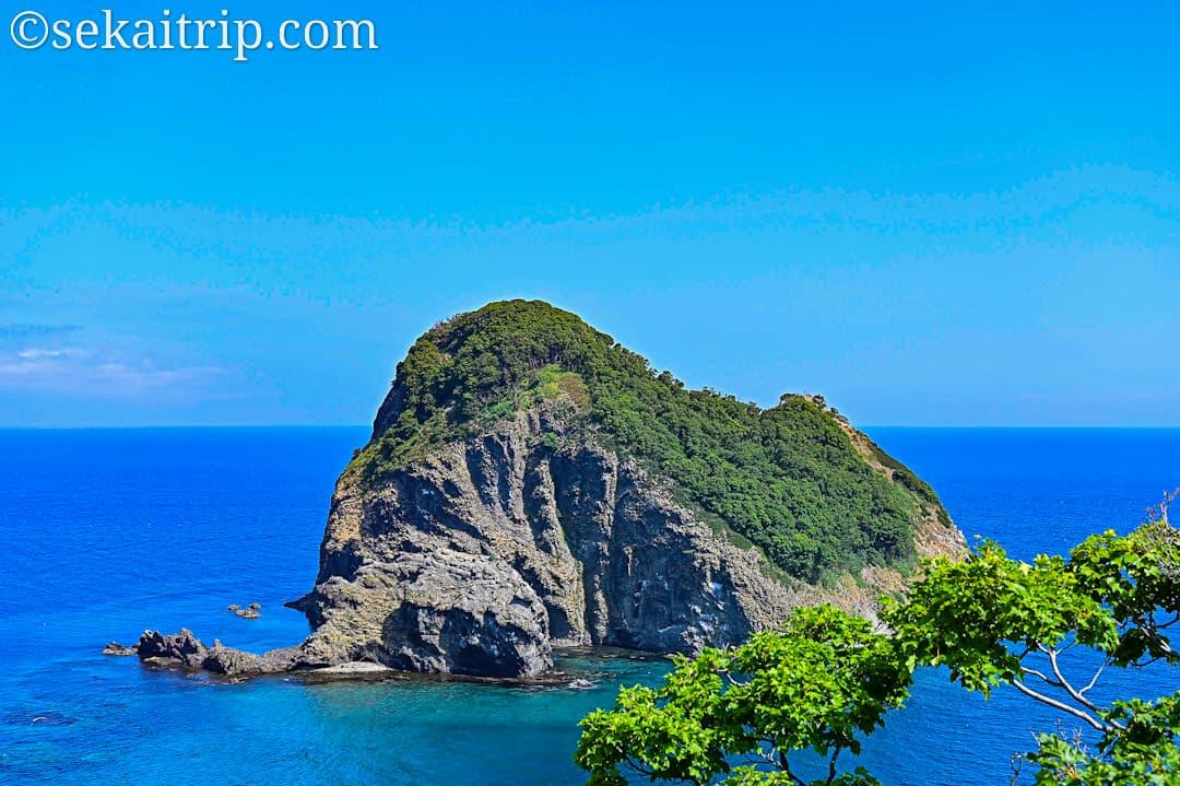 黄金岬から見た宝島