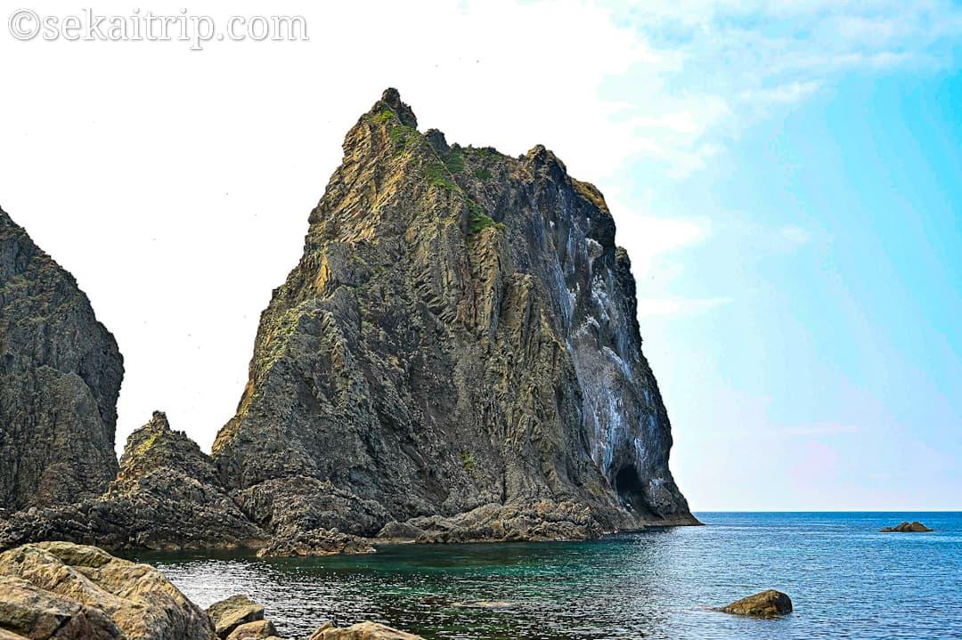 島武意海岸の屛風岩