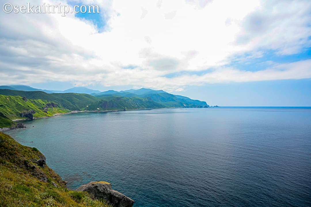 神岬漁港方面の景色