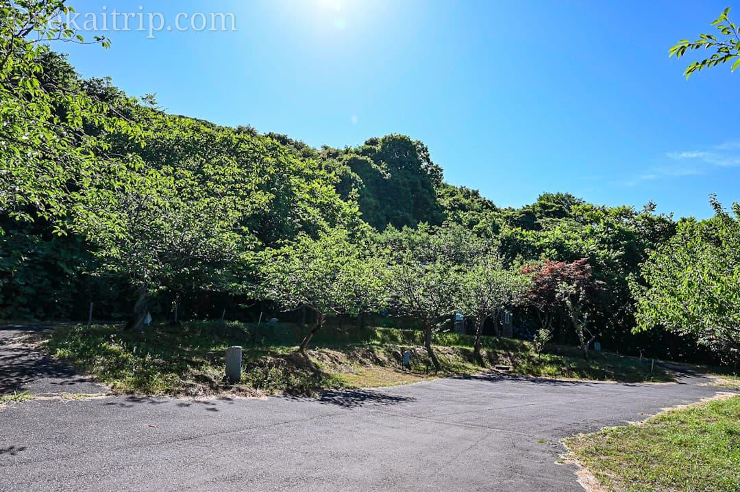 尻場山の登山口の駐車場