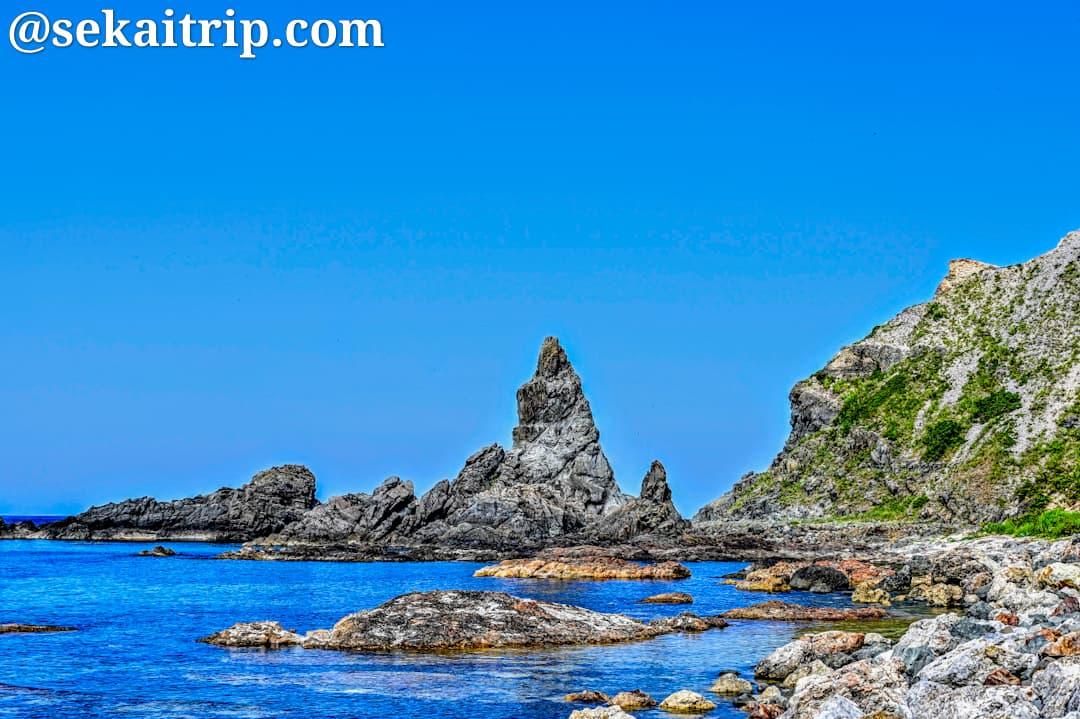 島武意海岸のタケノコ岩